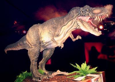 Más de 100 dinosaurios y animales prehistóricos en el Estadio de la Cartuja