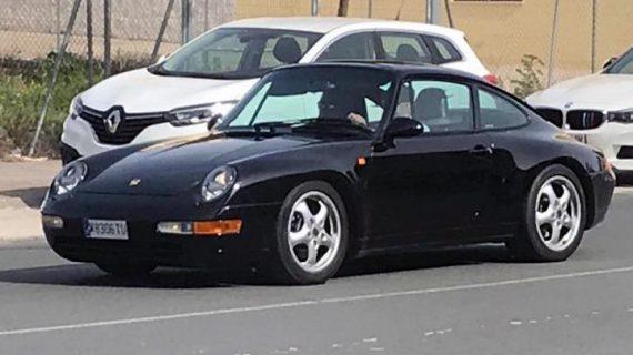 Amantes de Porsche de varios puntos de España se reúnen en Sevilla