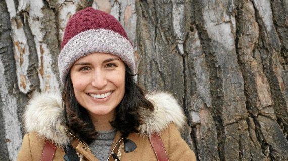Fernanda Iwasaki comparte su conocimiento sobre literatura en la Universidad de Boulder