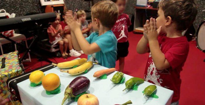 Un taller musical para que los más pequeños investiguen con frutas sonoras