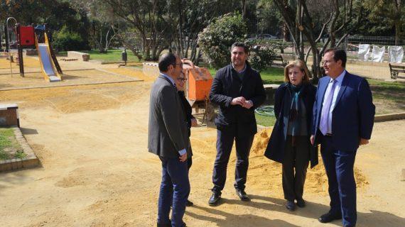 Inician la renovación integral de la zona infantil de los Jardines de Murillo