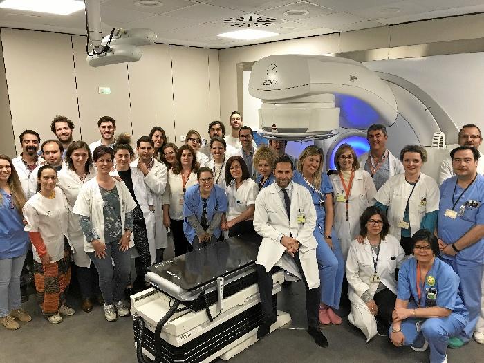 El Virgen Macarena incorpora un equipo de radioterapia de alta precisión