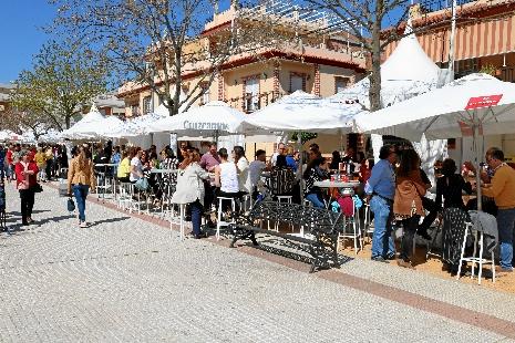 Los loreños exhiben su gastronomía local en la muestra 'Con sabor a Lora'
