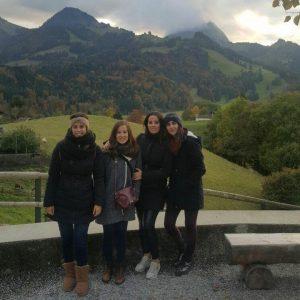 En unas visitas en Suiza de sus primas, en Gruyère.