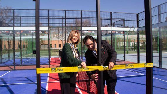 La UPO, primera universidad a nivel mundial con pistas de padbol