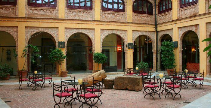Las pernoctaciones de visitantes extranjeros en hoteles de los pueblos sevillanos aumentan un 23,7 % en mayo
