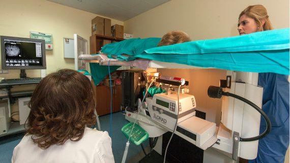 El Virgen del Rocío incorpora un sistema no invasivo para extirpar tumores de mama