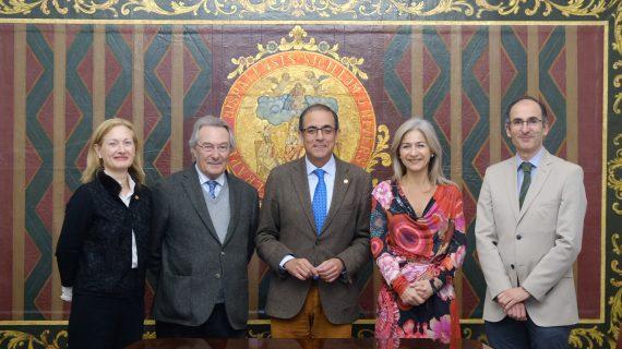 Luis Gordillo gana el VI Premio de Cultura de la US
