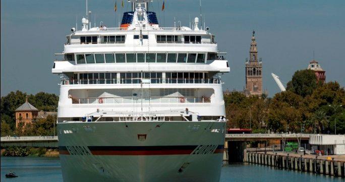 Sevilla recibe este fin de semana dos cruceros de alta gama con 1.300 turistas a bordo
