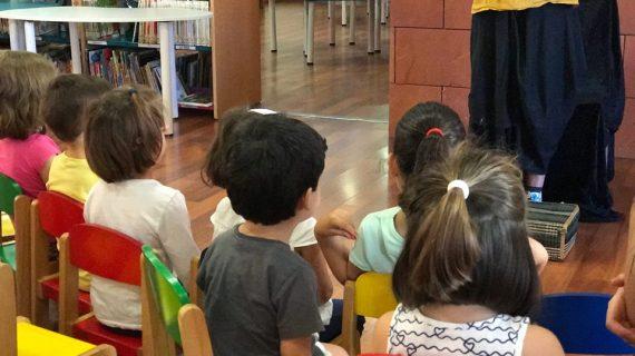 Irene Hidalgo comparte cuentos entre niños para combatir el acoso