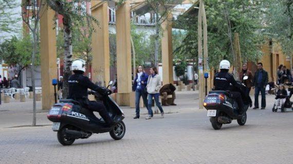 A prisión tres personas acusadas de intentar raptar a una joven en la Alameda de Hércules