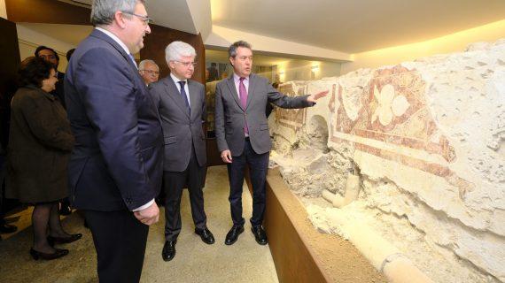Se exponen los restos hallados en la Casa de Hermandad de La Hiniesta