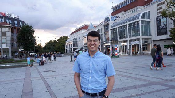 El sevillano Luis Javier Gómez trabaja en Polonia como ingeniero experto en aguas