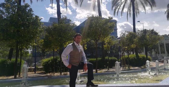 El saetero Manuel Cuevas se estrena con unas sevillanas cofrades en su nuevo disco