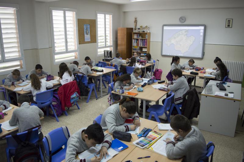 Los escolares de Lora celebran un concurso por el 200 aniversario de la Feria