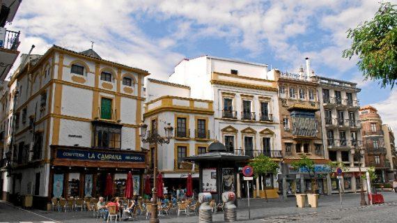 El plan de movilidad cofrade se adelanta al miércoles con el corte de La Campana