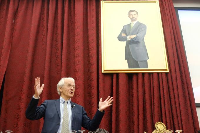 El Nobel de Física Gérard Mourou ofrece una conferencia sobre la luz láser en el Paraninfo
