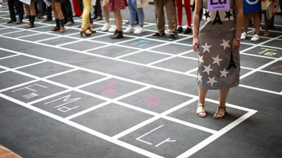 Estudiantes de la US celebran un 'desfile de los elementos' en la Casa de la Ciencia