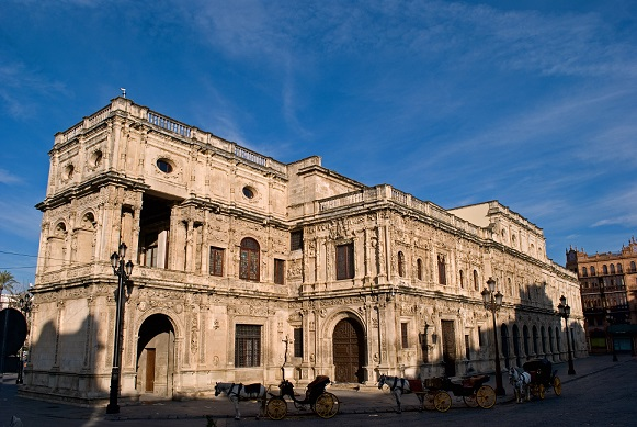 Sevilla se sitúa como uno de los ayuntamientos con mayor gasto social de España