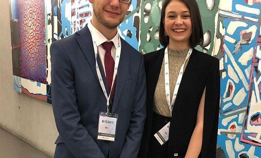 Dos jóvenes de la US consiguen una beca para estudiar su posgrado en el extranjero