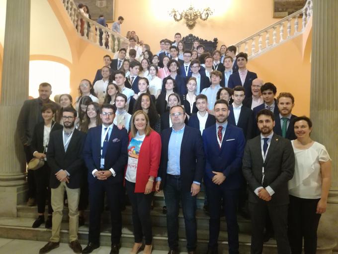 El Buen Pastor y un alumno de Altair se alzan con los premios del I Concurso de debate escolar Ciudad de Sevilla