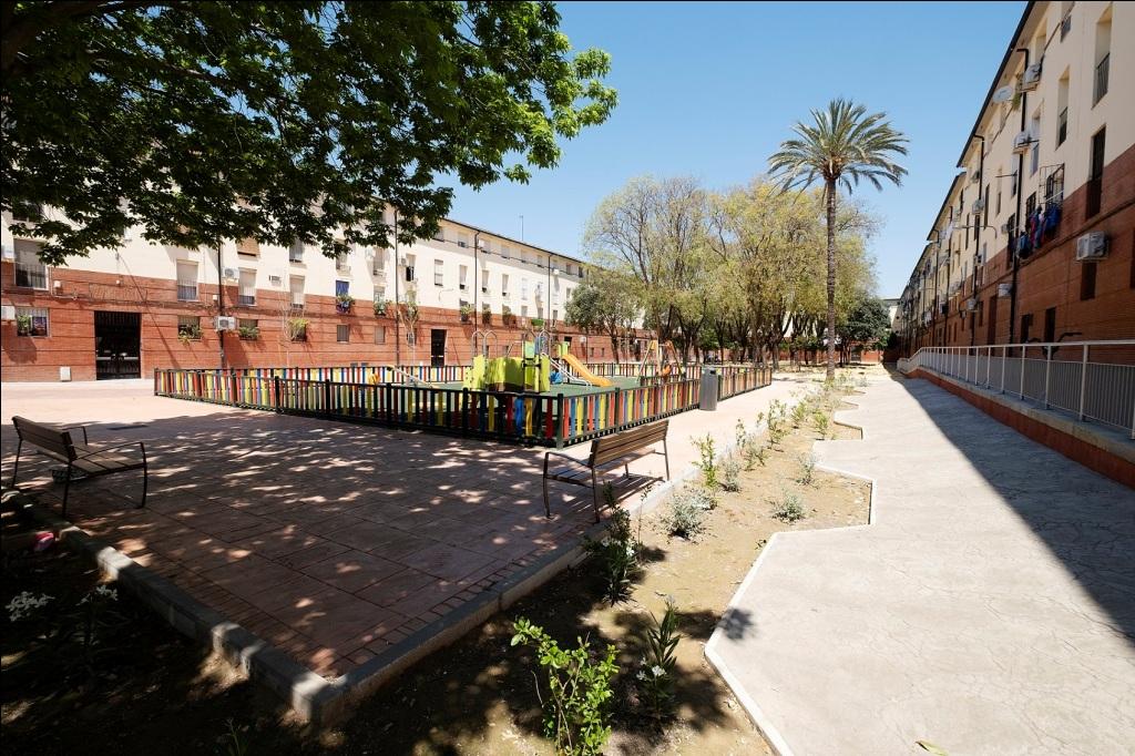 Culminadas las obras de reurbanización en la calle Enrique Granados