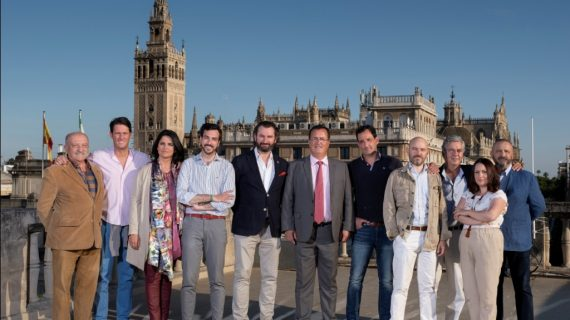 Catorce artistas se unen y realizan el Cartel del Corpus Christi de 2019