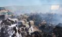 Sofocado, tras cuatro días, el incendio en una nave de reciclaje de Dos Hermanas