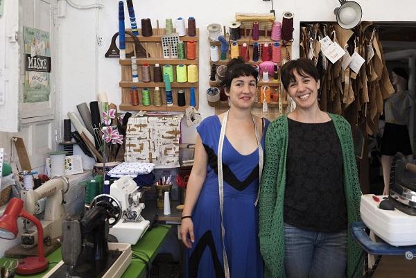 Los artesanos de los barrios abren sus talleres al público