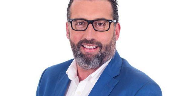 Rafa Ruiz se presenta como candidato del PP a la alcaldía de Los Palacios y Villafranca