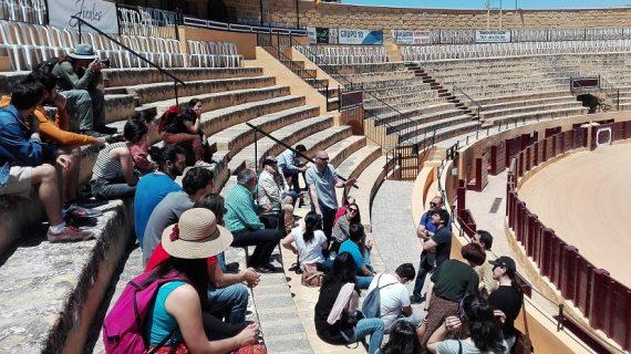 Los participantes del congreso de 'Juego de Tronos' visitan sus escenarios sevillanos