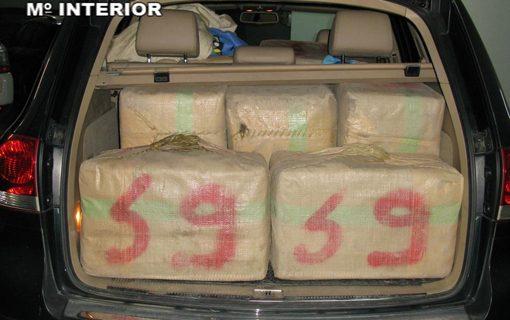Detenido el conductor de un vehículo donde transportaba 450 kilos de hachís
