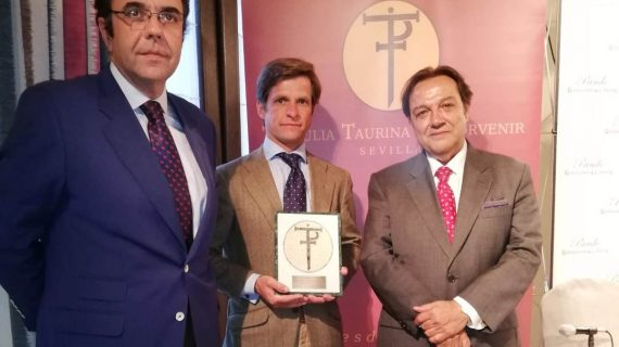 El Juli recibe el Premio a la Excelencia Taurina