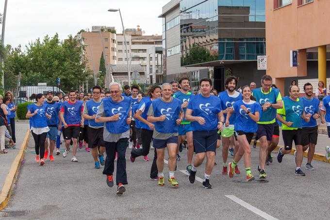 Investigadores y clínicos se unen en una carrera alrededor del Hospital Virgen del Rocío