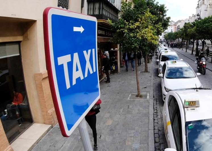 Habrá más taxis en la capital hasta junio