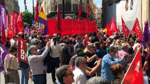 Sevilla marcha y se manifiesta este 1 de Mayo (Galería)