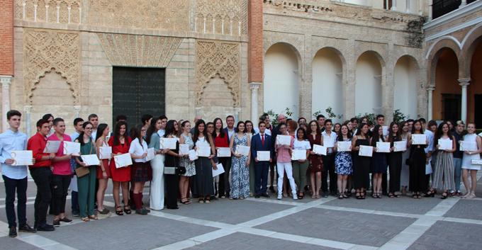 Sevilla distingue la trayectoria académica y personal de 57 estudiantes de 4º curso de la ESO