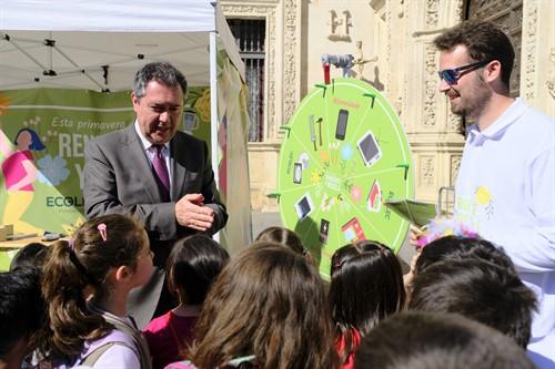 Sevilla espera llegar en cinco años al 55 por ciento de los residuos separados para su reciclaje