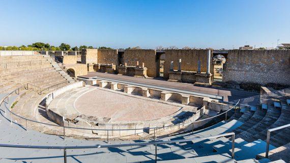 Autorizan el montaje de estructuras escénicas en el Teatro Romano de Itálica y en el Monasterio de San Isidoro del Campo