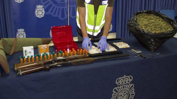 Detenidas tres personas que amenazaron con una escopeta al propietario de un kiosco