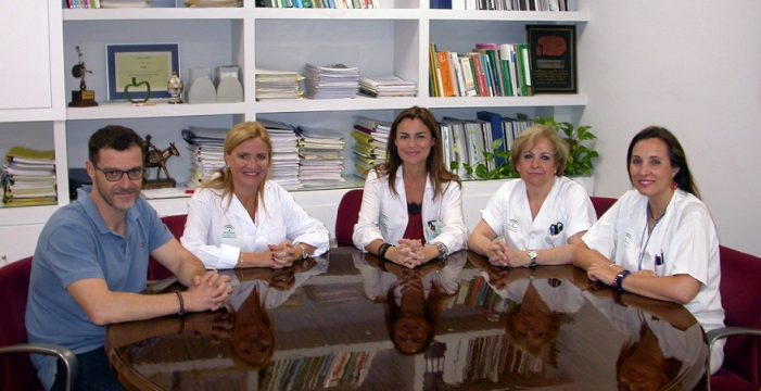 Medio millar de enfermeros y auxiliares sevillanos se forman para la cobertura del verano