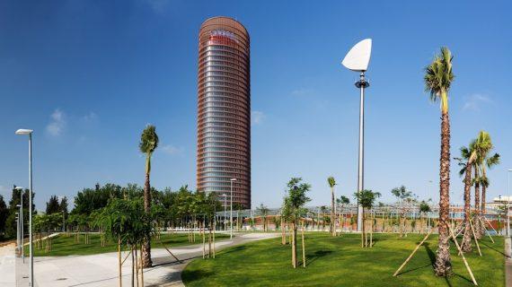 Una nueva pérgola unirá el Puente del Cristo de la Expiración con Torre Sevilla