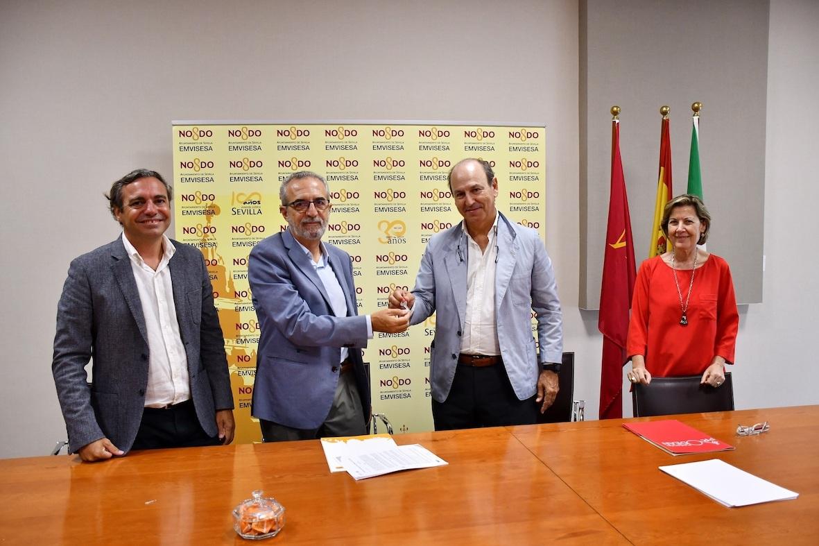 Entregados en Sevilla tres locales comerciales de Emvisesa en Tres Barrios-Amate