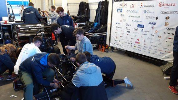 Estudiantes de la US compiten en Holanda con su monoplaza de combustión