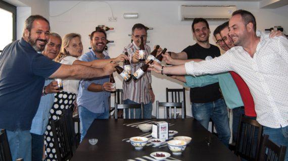 Cinco emprendedores lanzan 'Rancia', la nueva cerveza artesanal que exalta la 'solera' de Sevilla y sus gentes
