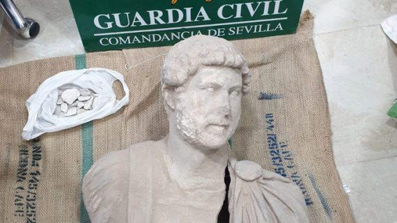 Recuperado un busto del emperador Adriano del siglo II d.C. que intentaban vender