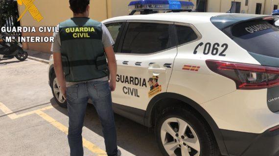 Interceptada una furgoneta en Carmona por contrabando de tabaco
