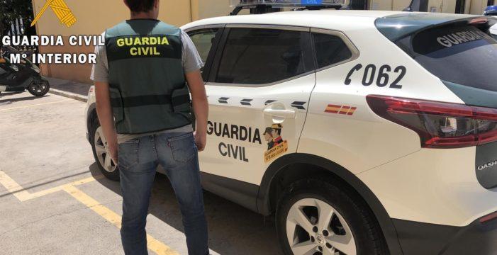 Detenido un matrimonio en Los Palacios acusado de vender droga en su domicilio