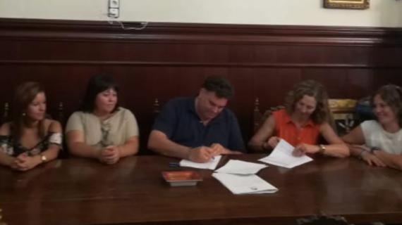 Morón firma un convenio de colaboración con Autismo Sevilla para favorecer la inclusión de las personas con TEA