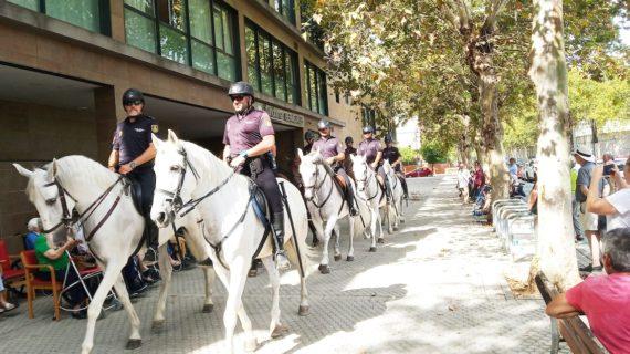Los mayores de Fundomar reciben la visita de la Policía Nacional
